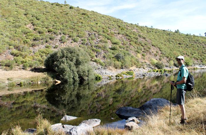 Curso del río Alagón al inicio de la ruta