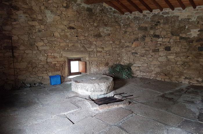 Interior de uno de los molinos del Arroyo Grande