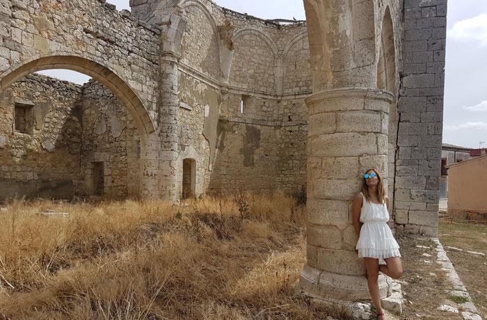 Ruinas de la iglesia de San Pedro de Tiedra