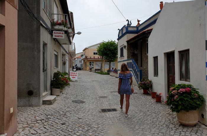 Una de las calles de playa de Mira