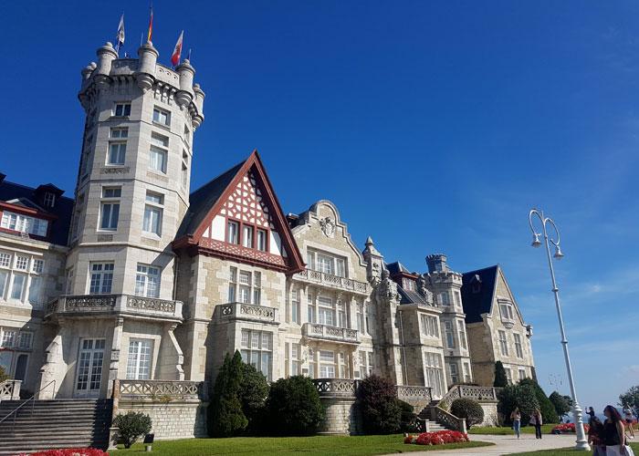 Otra vista del Palacio de La Magdalena qué visitar en Santander
