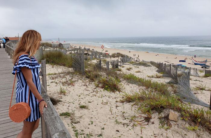 Pasarela junto a la playa de Mira