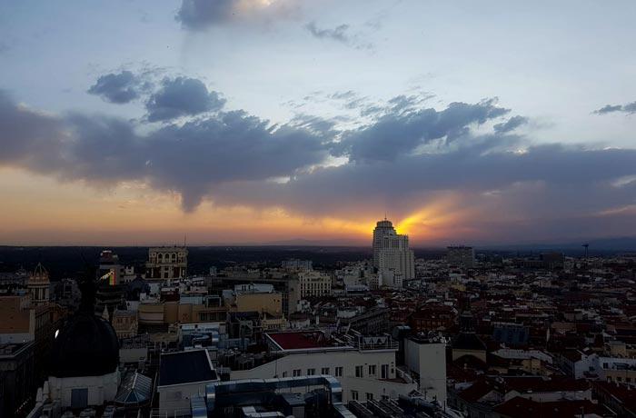Atardecer en Madrid desde la Gran Vía