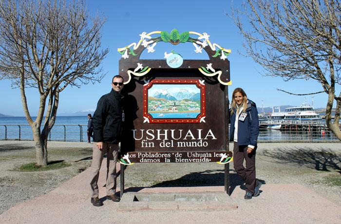Cartel del fin del mundo en el puerto de Ushuaia
