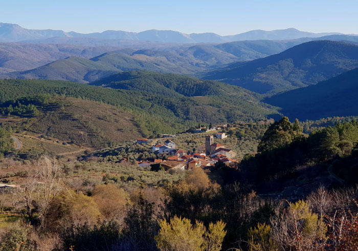 Vista de Herguijuela de la Sierra Valle de Belén