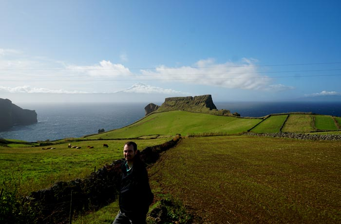 Prados verdes de la isla de Sao Jorge Azores