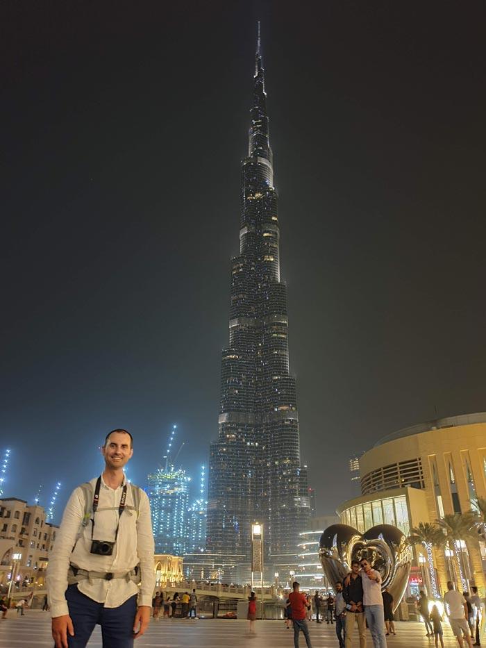 Ante el Burj Khalifa de noche