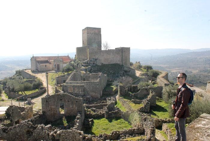 Vista de Marialva con el castillo al fondo