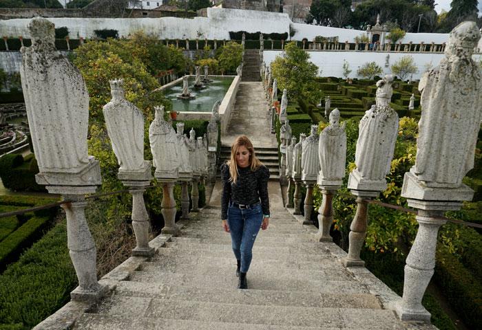 Escalera de los reyes portugueses en el jardín del Palacio Episcopal de Castelo Branco